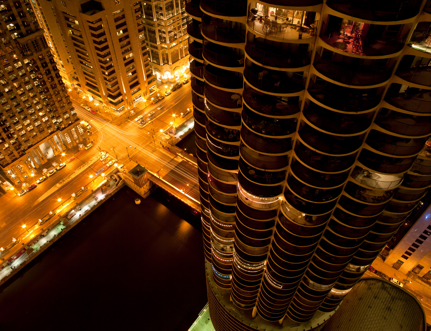 Marina-city-chicago-poul-ober-photography