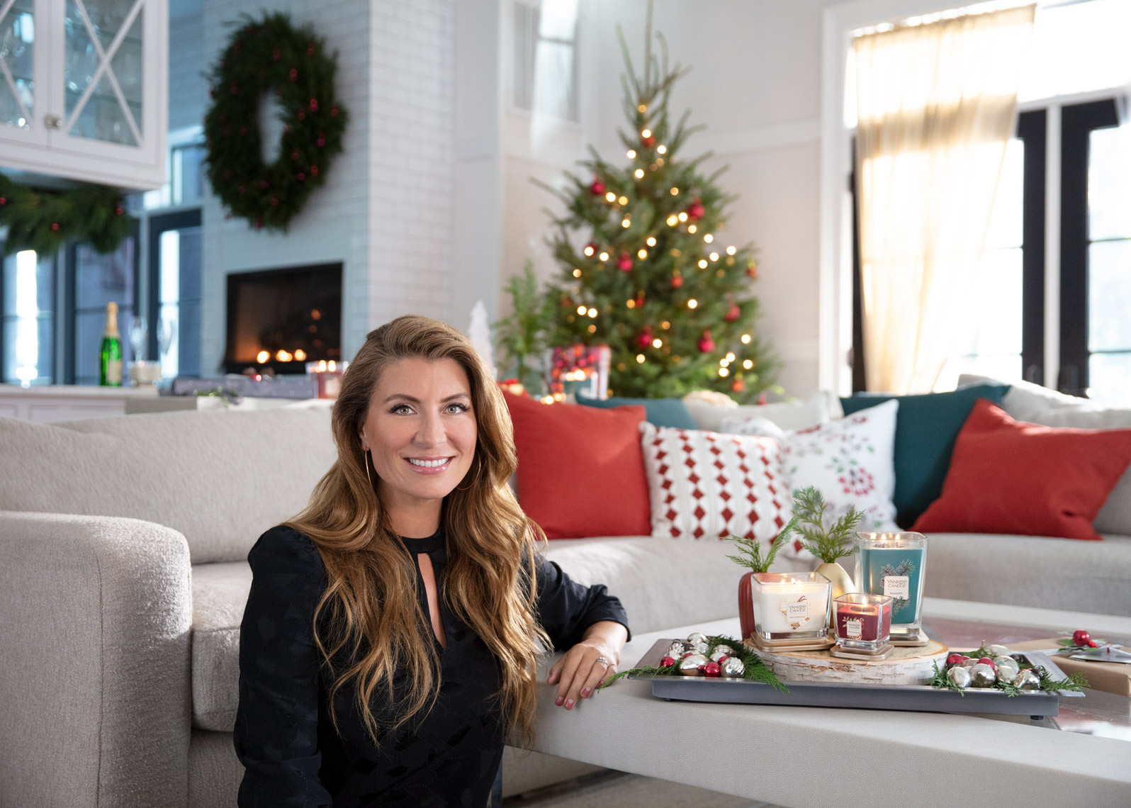 genevieve-gorder-Yankee-Candle-Holiday-livingroom-Poul-ober-photography