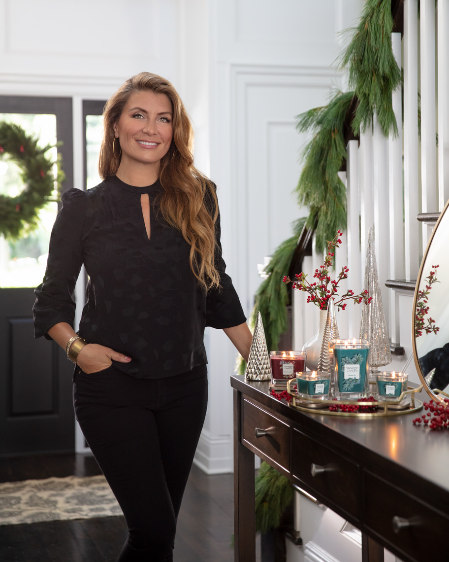genevieve-gorder-Yankee-Candle-Holiday-Foyer-Poul-ober-photography