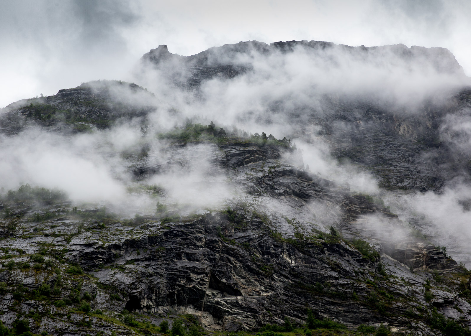 Low-clouds-norway-mountains-poul-ober-photography