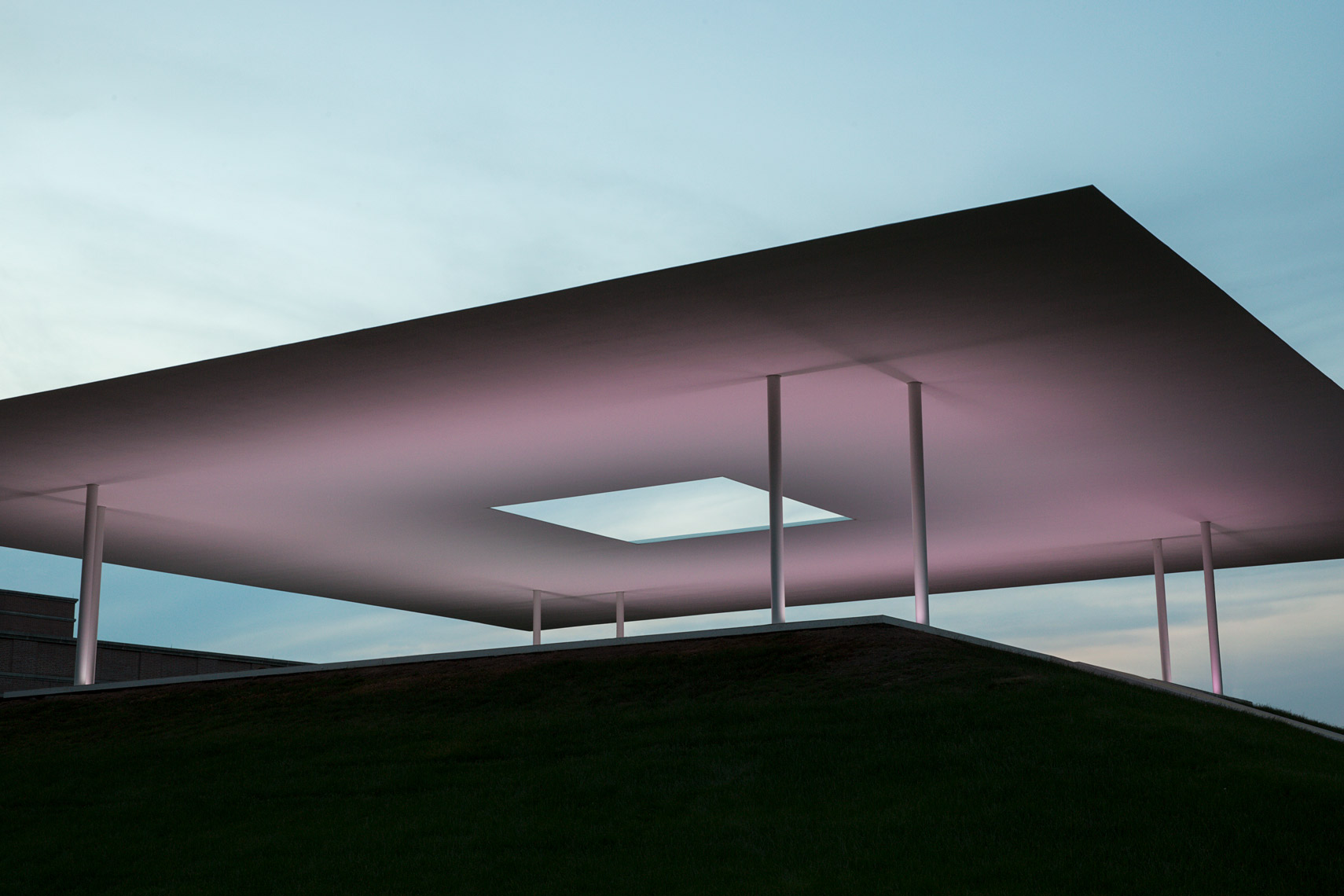 James-Turrell-Twilight-Epiphany-Skyspace-Rice-University-Poul-Ober-Photography